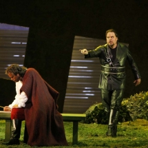 Ian-Storey-as-Otello_Mark-Delavan-as-Iago-©-Robert-Millard.jpg